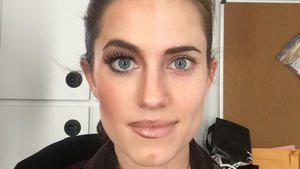 Allison Williams (fast) ungeschminkt