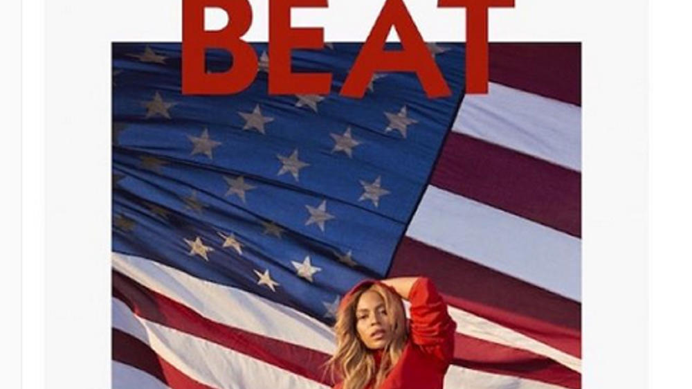 Beyoncé zeigt Flagge in sexy Badeanzug