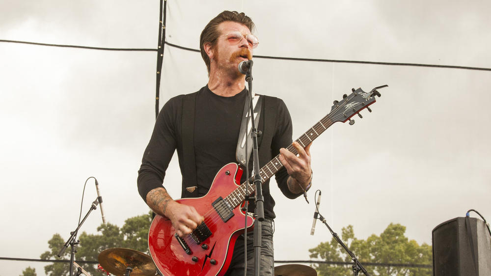 Fans wollen Eagles of Death Metal auf Platz 1 hieven