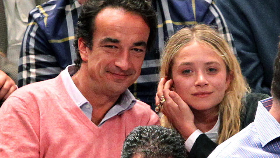 Mary-Kate Olsen and Oliver Sarkozy at the Los Angeles Clippers vs. New York Knicks basketball game at Madison Square Garden in New York City. Picture taken April 25, 2012. <P>Pictured: Mary-Kate Olsen and Oliver Sarkozy<P><B>Ref: SPL400402  310512  <