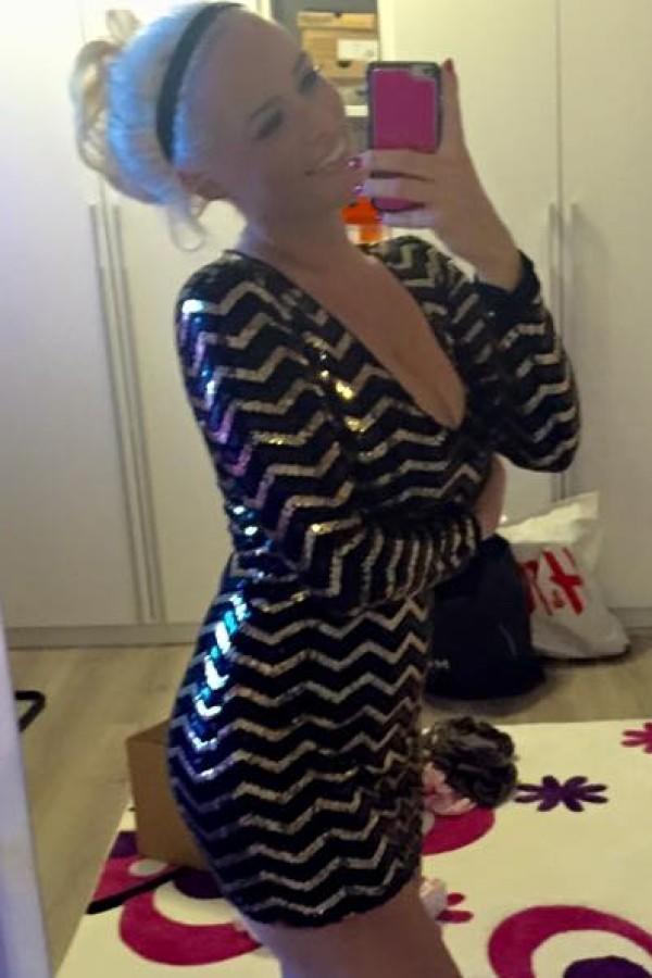 9730f6fadd4be Daniela Katzenberger präsentiert sexy Silvester-Outfit