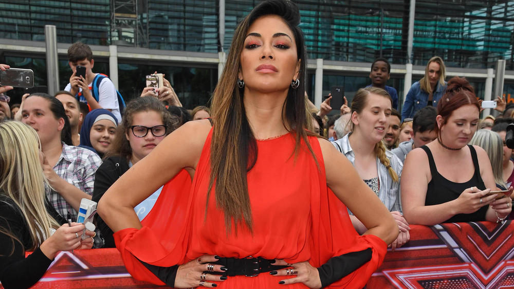 "Nicole Scherzinger als sexy ""Lady in Red"""