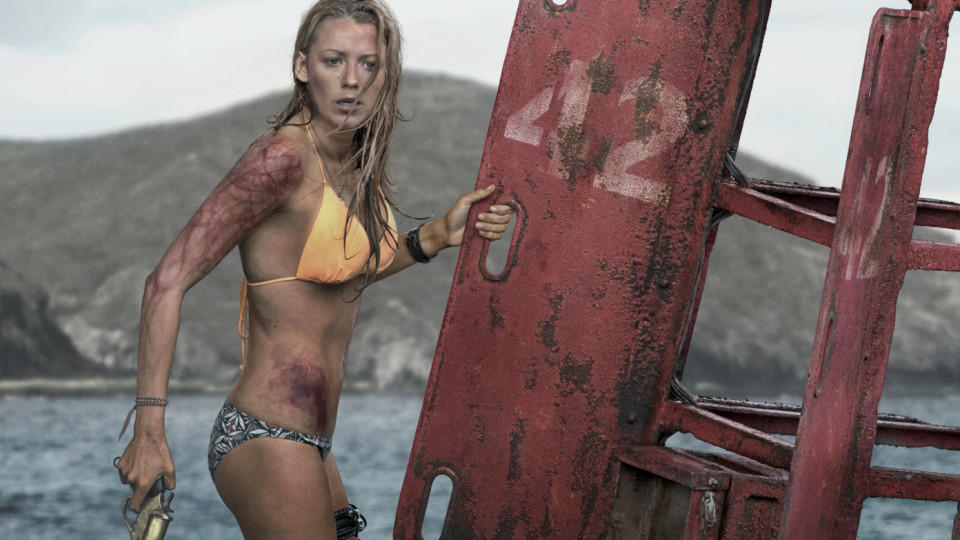 Blake Lively im Hai-Thriller 'The Shallows' - Filmkritik