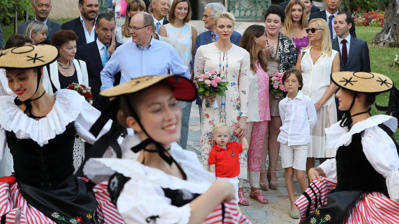 epa05533902 (Center L-R) Prince Albert II of Monaco, his wife Charlene of Monaco and their son Prince Jacques, the heir apparent to the Monegasque throne attend a dance show during the annual picnic in Le Parc Princesse Antoinette' in Monaco, 10 Sept