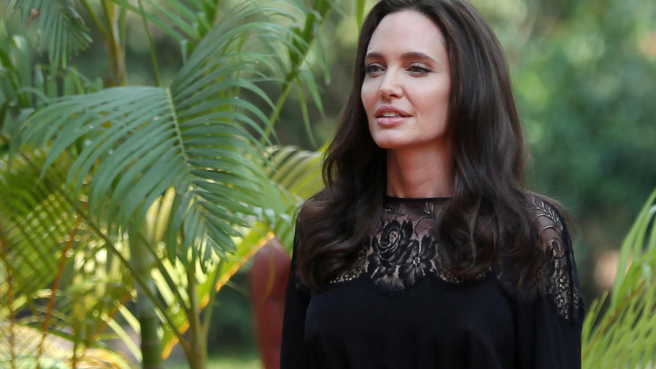 Actress Angelina Jolie arrives for a news conference at a hotel in Siem Reap province, Cambodia, February 18, 2017. REUTERS/Samrang Pring/File Photo
