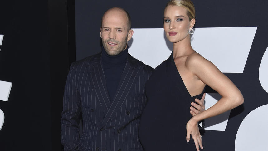 "Schauspieler Jason Statham und Schauspielerin Rosie Huntington-Whiteley kommen am 08.04.2017 zur Weltpremiere des Films ""The Fate of the Furious"" in new York, USA. Foto: Evan Agostini/Invision/dpa +++(c) dpa - Bildfunk+++"