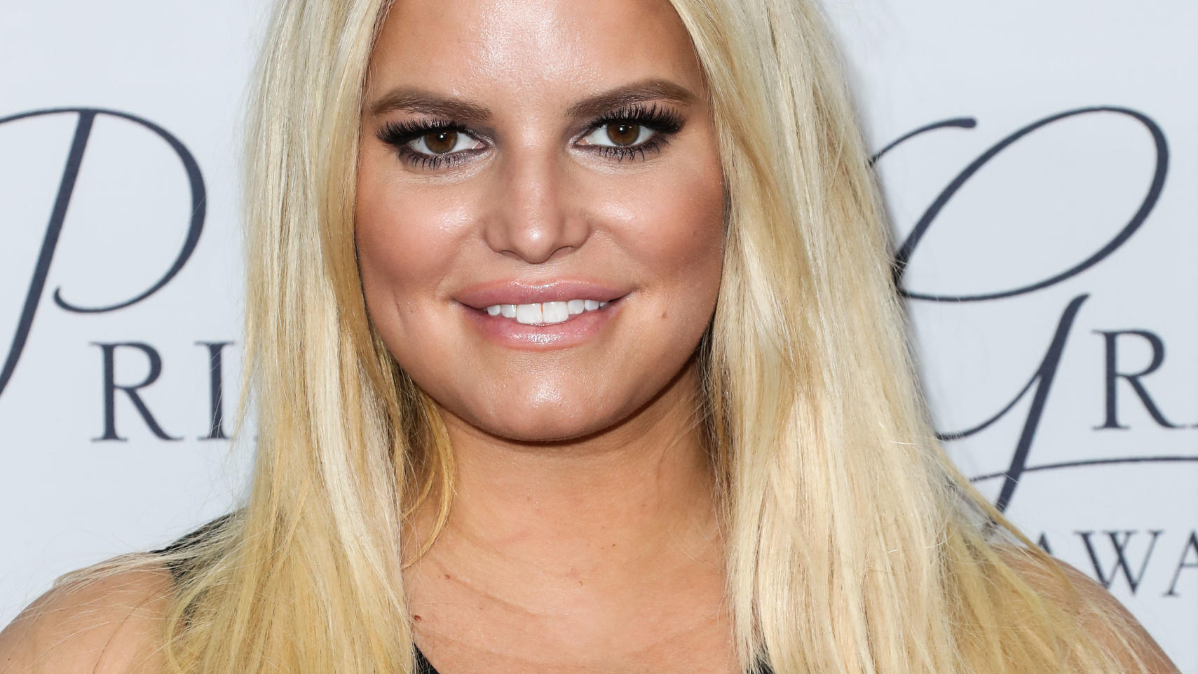 HOLLYWOOD, LOS ANGELES, CA, USA - OCTOBER 24: Singer/actress Jessica Simpson arrives at the 2017 Princess Grace Awards Gala Kickoff Event held at Paramount Studios on October 24, 2017 in Hollywood, Los Angeles, California, United States. (Photo by Xa