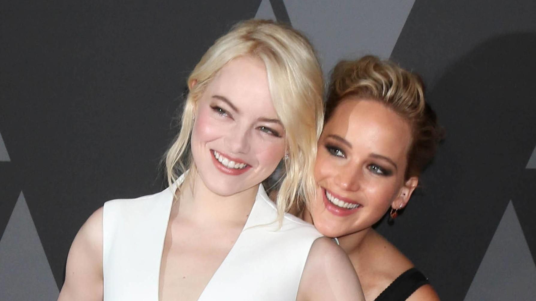 HOLLYWOOD CA NOVEMBER 11 Emma Stone Jennifer Lawrence at the AMPAS 9th Annual Governors Awards at the Dolby Ballroom in Hollywood California on November 11 2017 PUBLICATIONxINxGERxSUIxAUTxONLY Copyright: xDavidxEdwardsx