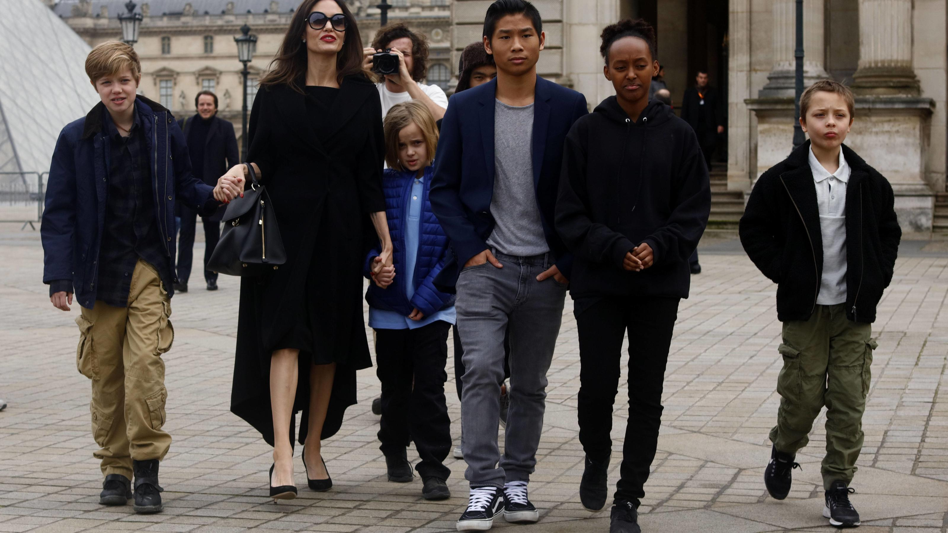 Angelina Jolie und ihre Kinder: Machen sie in Paris ...