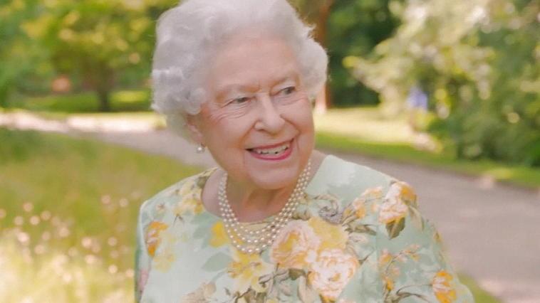 Queen Elizabeth Ii Macht Sich 252 Ber Trump Lustig