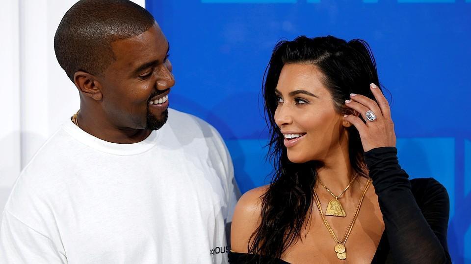 In Tochter Kardashians Heels Kim Chicago Spielt High 6vmIY7gyfb